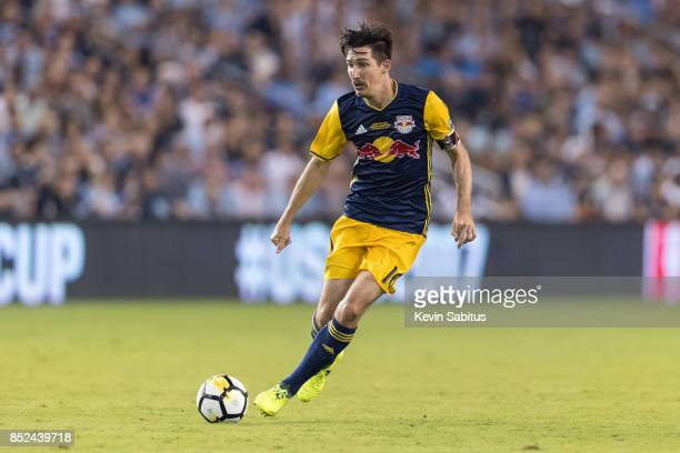 Sacha Kljestan of New York Red Bulls controls the ball in the US Open Cup Final match against Sporting Kansas City at Children's Mercy Park on...