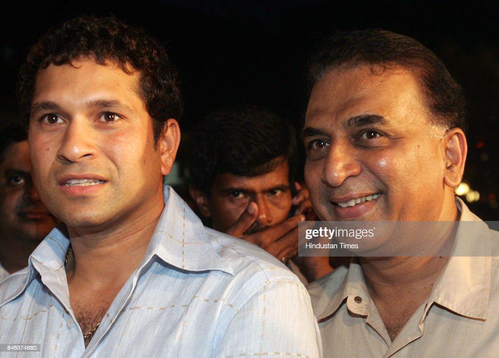 Sachin Tendulkar and Sunil Gavaskar at the launch of Khalid Ansari's book Cricket at Fever Pitch.