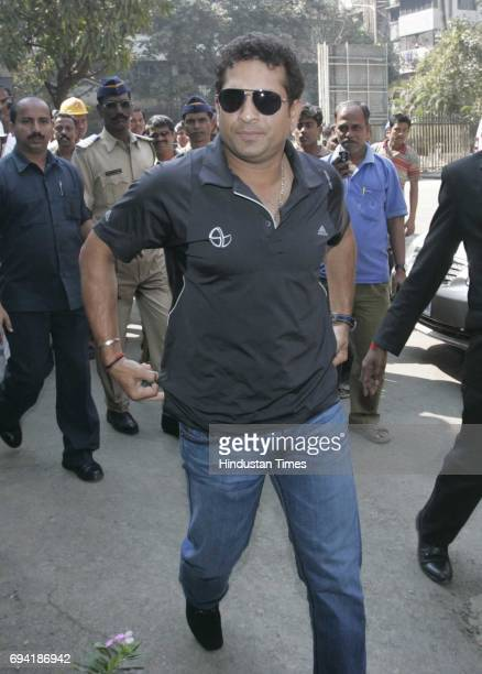 Sachin Tendulkar enters the BCCI office to meet officials and seek clarifications over sponsorship issues for the World Cup and IPL4