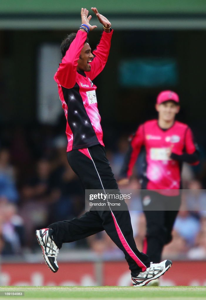 Sachithra Senanayake of the Sixers celebrates after claiming the wicket of Daniel Harris of the Renegades during the Big Bash League match between the Sydney Sixers and the Melbourne Renegades at SCG on January 9, 2013 in Sydney, Australia.