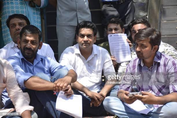 Sacked Delhi Minister Kapil Mishra protests outside AAP leader Kumar Vishwas's residence at Vasundhra Sector 3 on June 11 2016 in Ghaziabad India