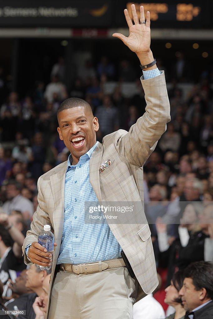 Sacramento Mayor Kevin Johnson acknowledges the crowd during a break in action as the Sacramento Kings take on the Atlanta Hawks at Sleep Train Arena on November 5, 2013 in Sacramento, California.