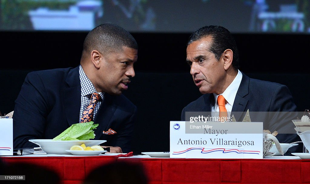 Sacramento Mayor Kevin Johnson (L) talks with Los Angeles Mayor Antonio Villaraigosa at the 81st annual U.S. Conference of Mayors at the Mandalay Bay Convention Center on June 21, 2013 in Las Vegas, Nevada. U.S. Vice President Joe Biden spoke at the conference addressing about 150 mayors from across the country on issues including the economy, immigration reform and gun violence.