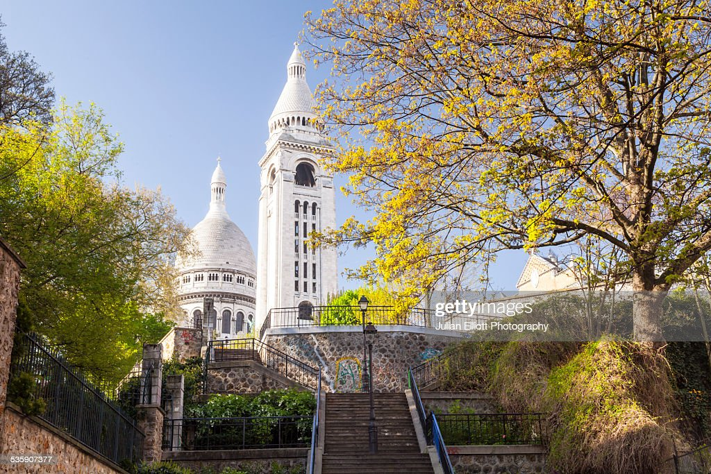 Sacre Coeur in the Montmartre area of Paris : Stock Photo