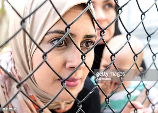 Traurig Flüchtling Nahen Osten Damen (Real Personen
