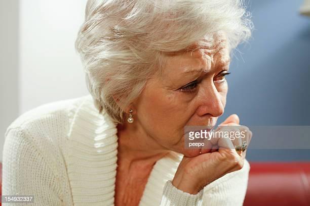 Triste femme senior