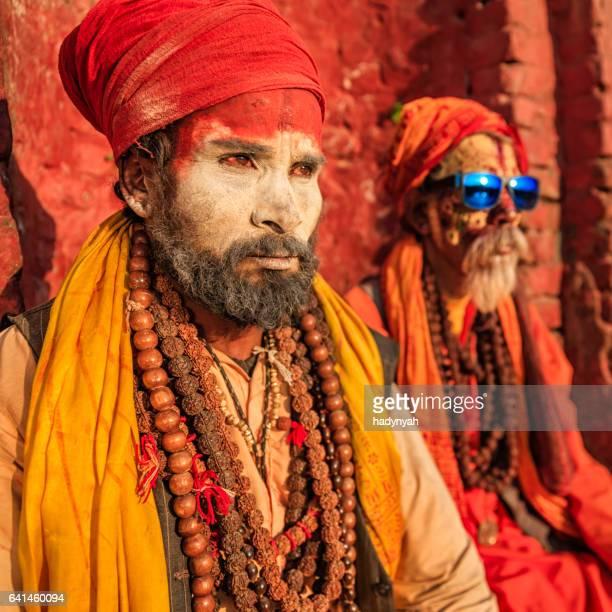 Sadhu - Indiase holymen zitten in de tempel