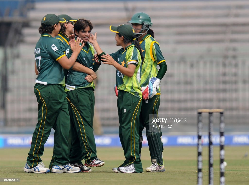 Sadia Yousaf of Pakistan celebrates the wicket of Lisa Sthalekar of Australia with teammates during the second match of ICC Womens World Cup between Australia and Pakistan, played at the Barabati stadium on February 1, 2013 in Cuttack, India.