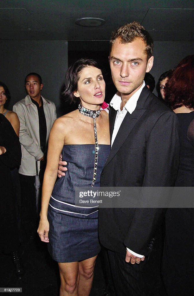 Sadie Frost and Jude Law attend the Frost French Launch Party in The Light Bar at St Martins Hotel on September 18, 2001 in London.