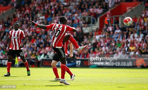 Sadio Mane of Southampton scores his team's first goal during the Barclays Premier League match between Southampton and Crystal Palace at St Mary's...