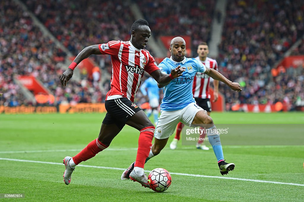 Sadio Mane of Southampton takes on <a gi-track='captionPersonalityLinkClicked' href=/galleries/search?phrase=Fabian+Delph&family=editorial&specificpeople=5443479 ng-click='$event.stopPropagation()'>Fabian Delph</a> of Manchester City during the Barclays Premier League match between Southampton and Manchester City at St Mary's Stadium on May 1, 2016 in Southampton, England.