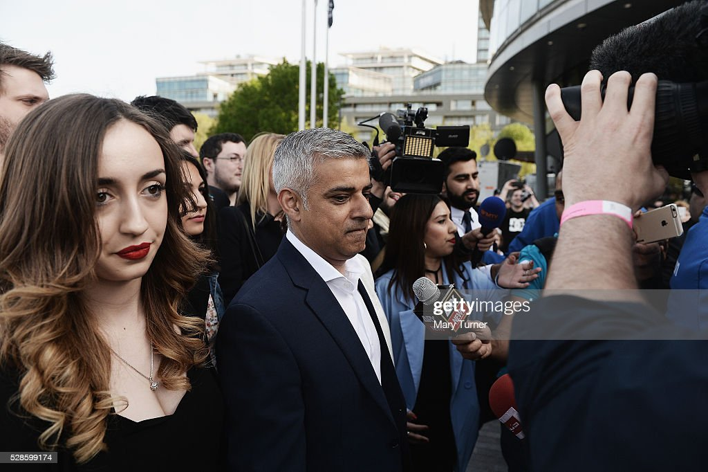 Sadiq Khan arrives with his wife Saadiya, family and aides arrive at City Hall on May 6, 2016 in London, England. Mr Khan is expected to be declared the new London Mayor when London Mayoral Election votes are fully counted this evening.