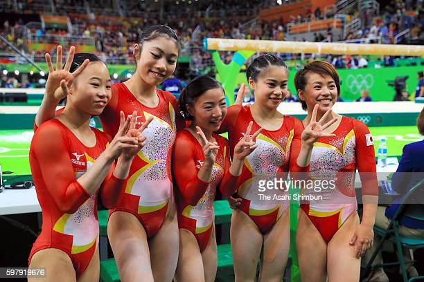 Sae Miyakawa Yuki Uchiyama Asuka Teramoto Aiko Sugihara and Mai Murakami of Japan pose for photograph after finishing fourth in the Artistic...