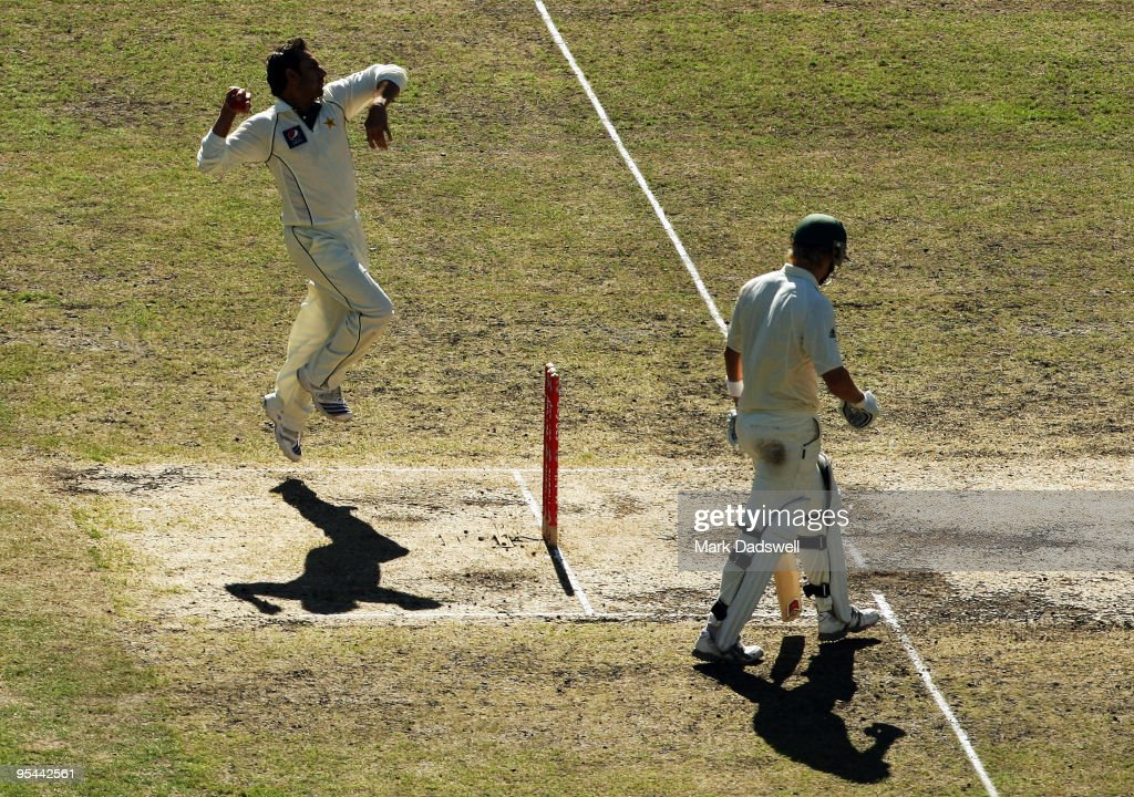 <a gi-track='captionPersonalityLinkClicked' href=/galleries/search?phrase=Saeed+Ajmal&family=editorial&specificpeople=2247219 ng-click='$event.stopPropagation()'>Saeed Ajmal</a> of Pakistan bowls during day three of the First Test match between Australia and Pakistan at Melbourne Cricket Ground on December 28, 2009 in Melbourne, Australia.