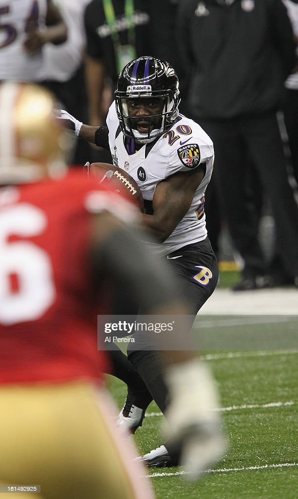 Safety Ed Reed #20 of the Baltimore Ravens has an interception against the San Francisco 49ers during Super Bowl XLVII at Mercedes-Benz Superdome on February 3, 2013 in New Orleans, Louisiana.