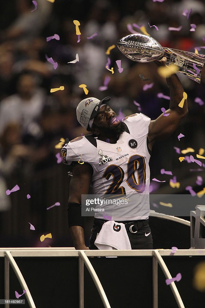 Safety Ed Reed #20 of the Baltimore Ravens hoists the Lombardi Trophy after defeating the San Francisco 49ers in Super Bowl XLVII at Mercedes-Benz Superdome on February 3, 2013 in New Orleans, Louisiana.