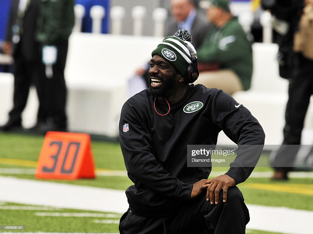 Safety <a gi-track='captionPersonalityLinkClicked' href=/galleries/search?phrase=Ed+Reed+-+American+Football+Player&family=editorial&specificpeople=194933 ng-click='$event.stopPropagation()'>Ed Reed</a> #22 of the New York Jets laughs while stretching during warm ups prior to a game against the Buffalo Bills at Ralph Wilson Stadium in Orchard Park, New York on November 17, 2013. Buffalo won 37-14.