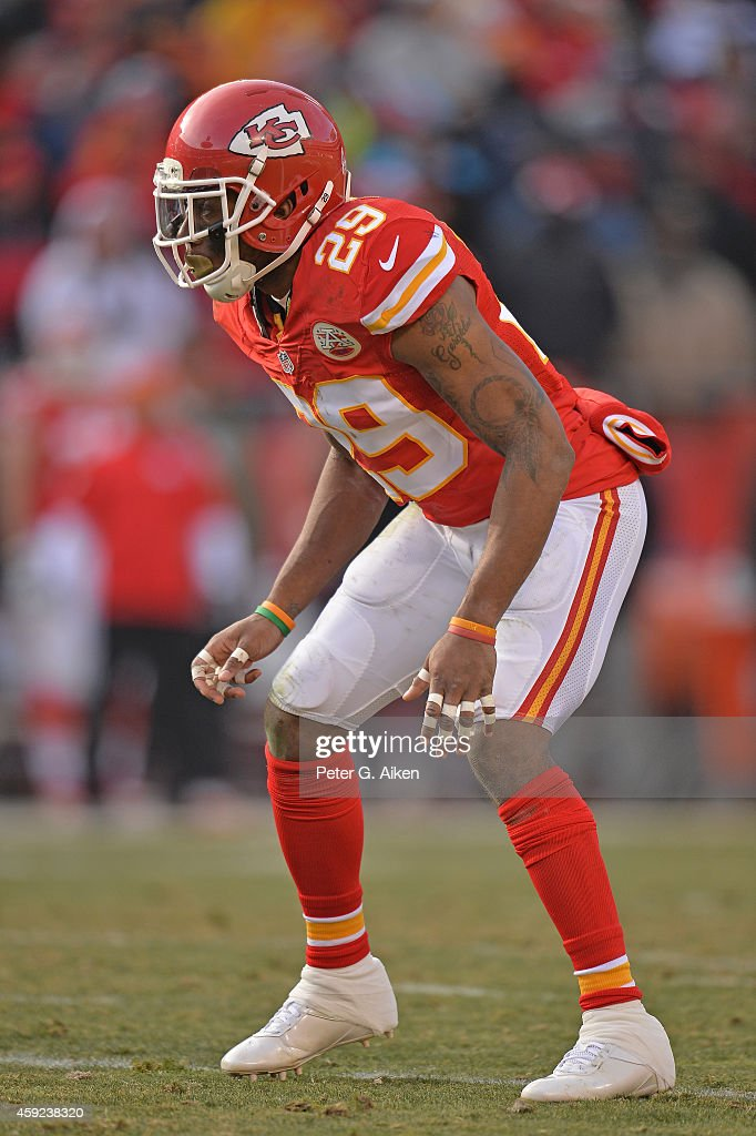 Safety <a gi-track='captionPersonalityLinkClicked' href=/galleries/search?phrase=Eric+Berry+-+American+Football+Player&family=editorial&specificpeople=4501099 ng-click='$event.stopPropagation()'>Eric Berry</a> #29 of the Kansas City Chiefs gets set on defense against the Seattle Seahawks during the second half on November 16, 2014 at Arrowhead Stadium in Kansas City, Missouri.