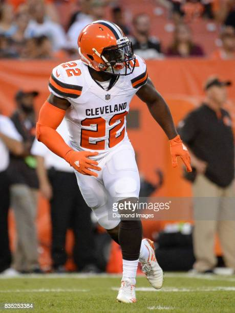 Safety Jabrill Peppers of the Cleveland Browns drops into pass coverage in the first quarter of a preseason game on August 10 2017 against the New...