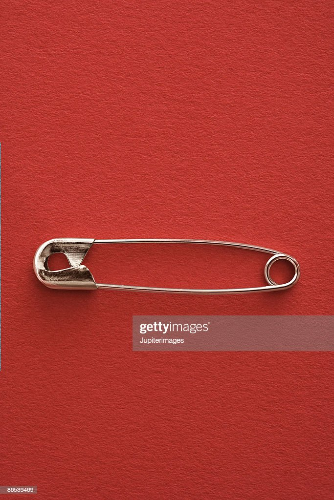 Safety pin