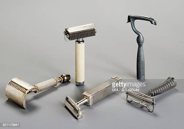 Safety razors with razor blades early 20th century Unspecified