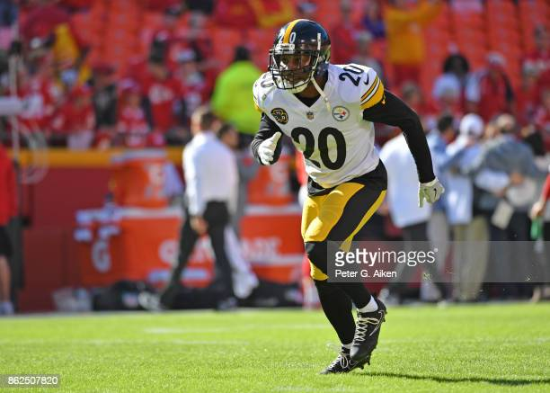 Safety Robert Golden of the Pittsburgh Steelers warms up during pregame activities prior to a game against the Kansas City Chiefs on October 15 2017...