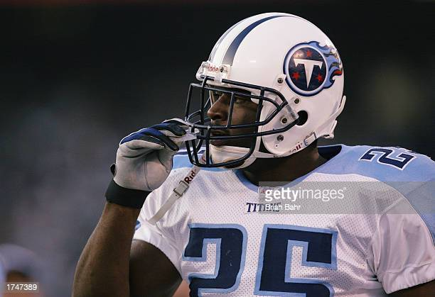 Safety Tank Williams of the Tennessee Titans prior to the AFC Championship game against the Oakland Raiders at Network Associates Coliseum on January...