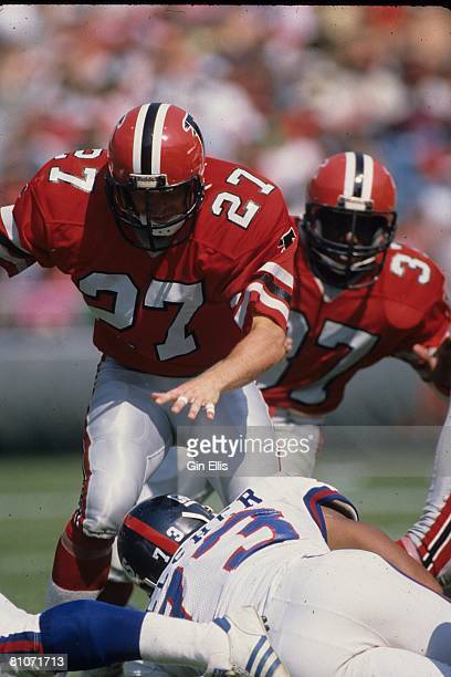 Safety Tom Pridemore of the Atlanta Falcons runs in pursuit against the New York Giants in Atlanta FultonCounty Stadium on October 14 1984 in Atlanta...