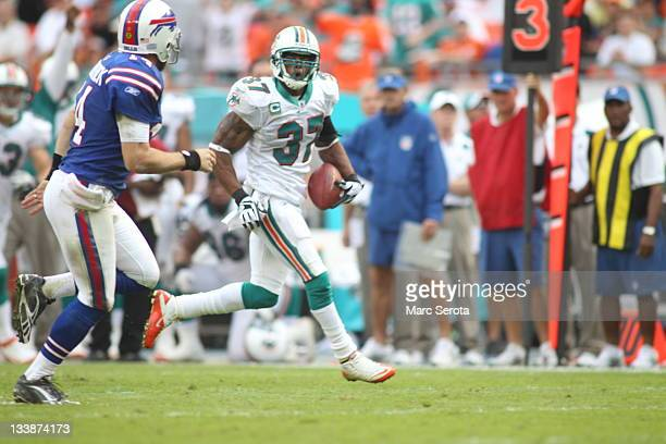 Safety Yeremiah Bell of the Miami Dolphins plays against the Buffalo Bills at Sun Life Stadium on November 20 2011 in Miami Gardens Florida Miami...