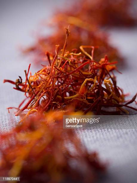 how to use spanish saffron