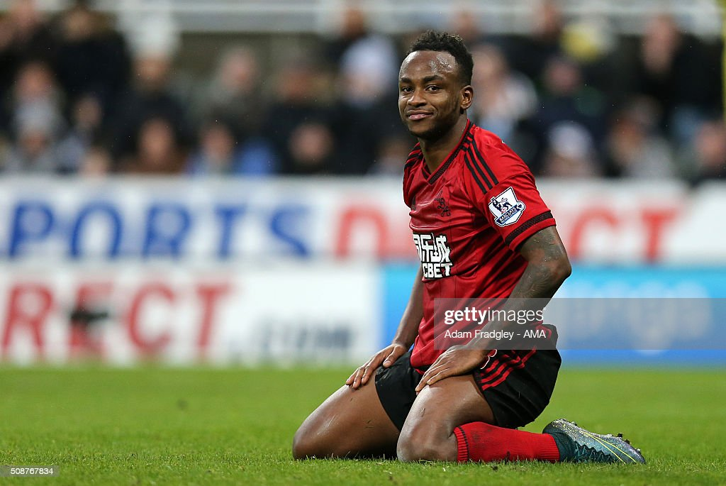 <a gi-track='captionPersonalityLinkClicked' href=/galleries/search?phrase=Saido+Berahino&family=editorial&specificpeople=6216861 ng-click='$event.stopPropagation()'>Saido Berahino</a> of West Bromwich Albion on his knees after his strike at goal was unsuccessful during the Barclays Premier League match between Newcastle United and West Bromwich Albion at St. James Park on February 06, 2016 in Newcastle-upon-Tyne, England.