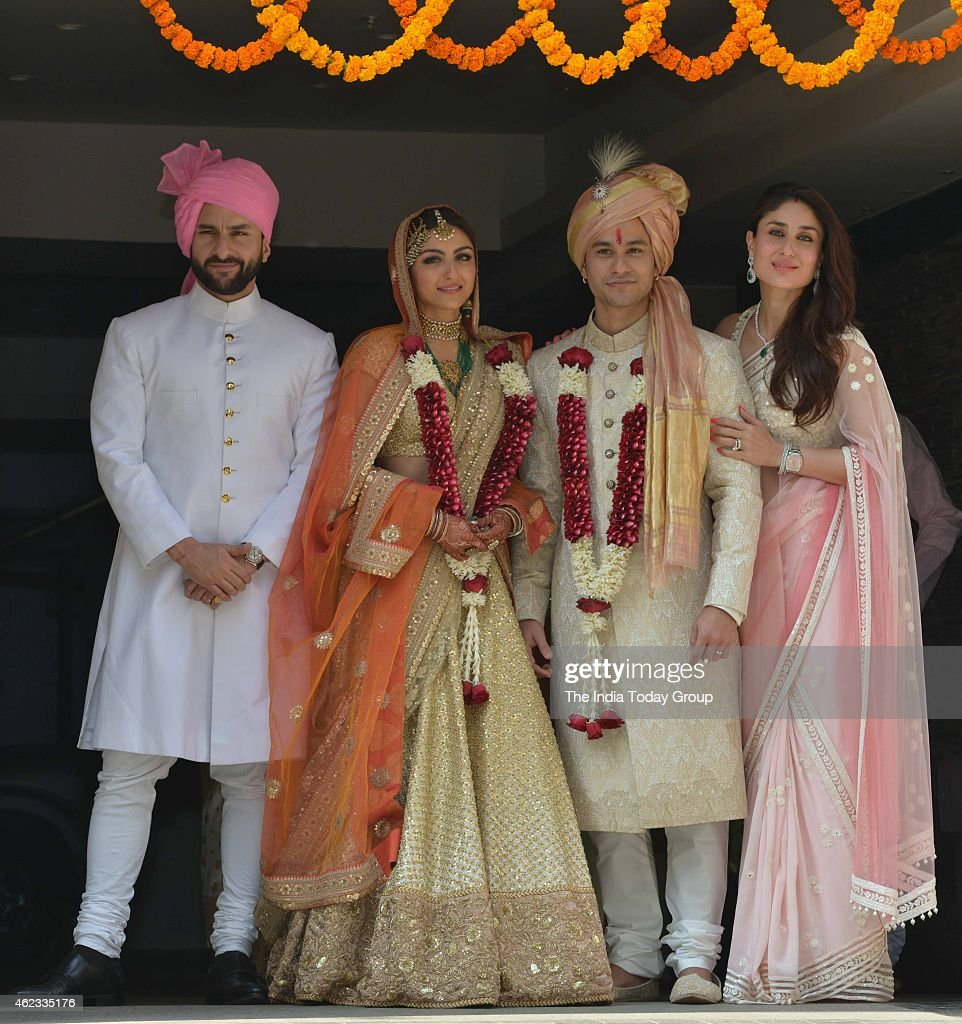 Saif Ali Khan and Kareena Kapoor with newly wedded couple Soha Ali Khan and Kunal Khemu in Mumbai