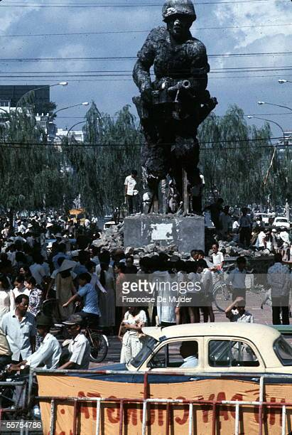 Saigon Rule in the glory of the American army She will be destroyed after Saigon's fall April 30 1975 FDM36818
