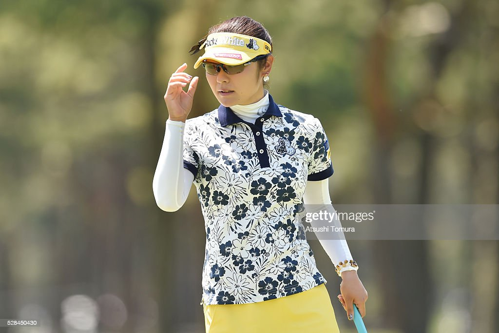 <a gi-track='captionPersonalityLinkClicked' href=/galleries/search?phrase=Saiki+Fujita&family=editorial&specificpeople=7535141 ng-click='$event.stopPropagation()'>Saiki Fujita</a> of Japan reacts during the first round of the World Ladies Championship Salonpas Cup at the Ibaraki Golf Club on May 5, 2016 in Tsukubamirai, Japan.
