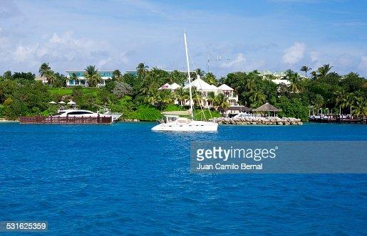 Sailboat in front of the coastline in Nassau