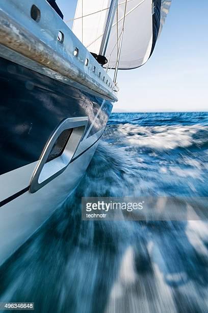 Segelboot Schiefer, niedrige Wiewpoint, verschwommen Motion