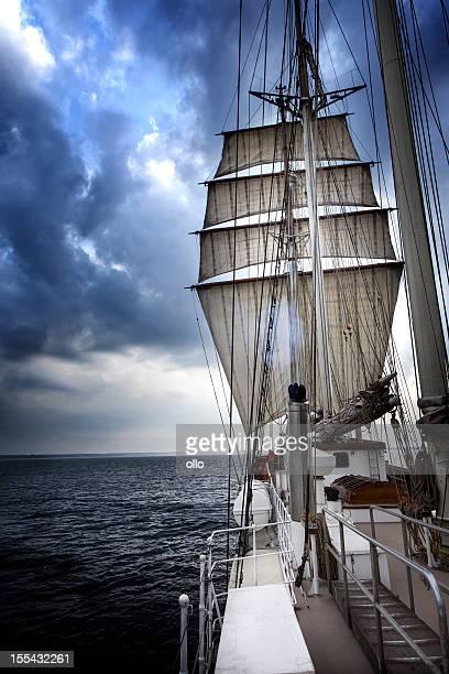 セーリング、バルト海の夕暮れ
