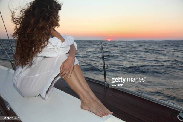 Vela ao pôr do sol