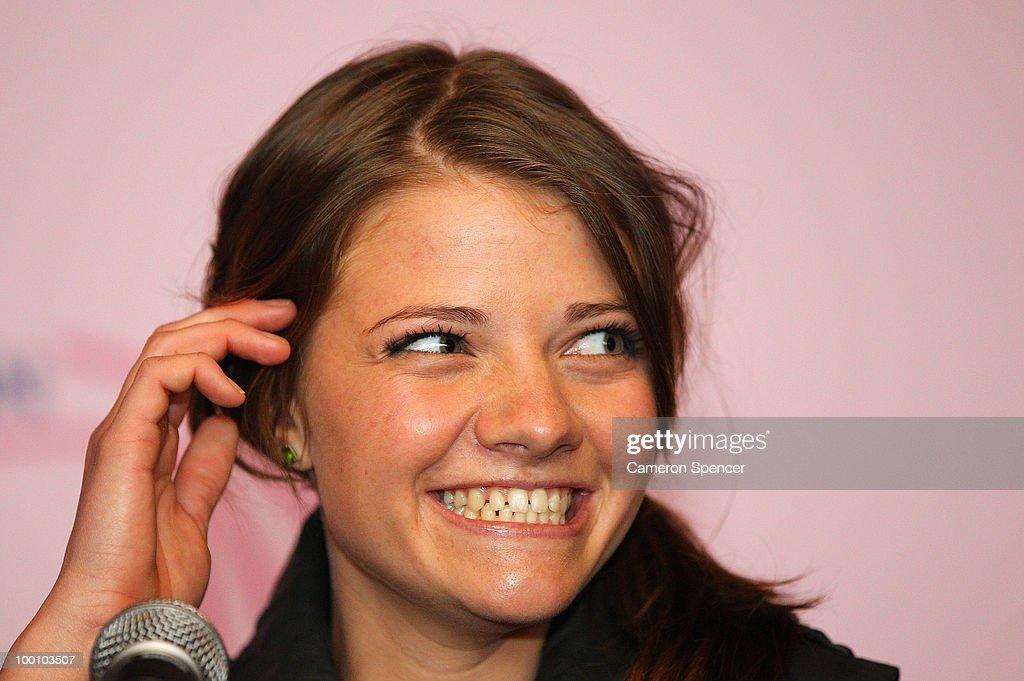 Jessica Watson Hosts Media Conference