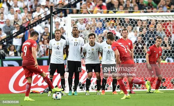 saint denis football uefa euro 2016 group c game between poland and germany robert lewandowski. Black Bedroom Furniture Sets. Home Design Ideas