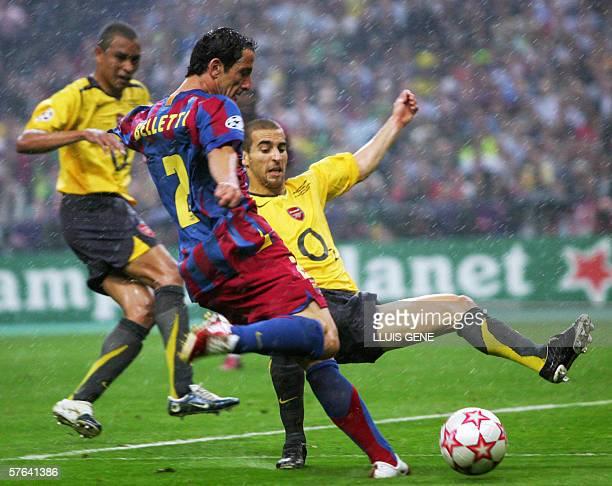 Barcelona's Brazilian defender Juliano Belletti kicks to score the winnin goal during the UEFA Champion's League final football match Barcelona vs...