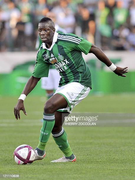 SaintEtienne's French midfielder Bakary Sako runs with the ball during the French L1 football match SaintEtienne versus Nancy on August 13 2011 at...