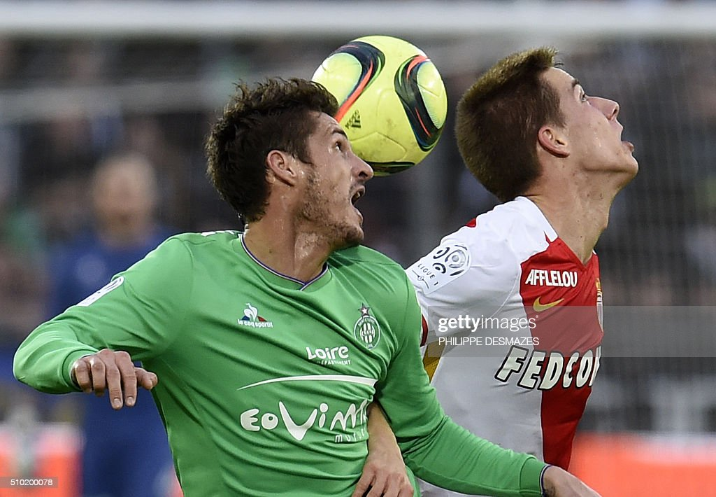 Saint-Etienne's French midfielder Jeremy Clement (L) vies with Monaco's Croatian midfielder Mario Pasalic (R) during the French Ligue1 football match between AS Saint-Etienne and AS Monaco, on February 14, 2016 at the Geoffroy Guichard stadium in Saint-Etienne , central France. AFP PHOTO/PHILIPPE DESMAZES / AFP / PHILIPPE DESMAZES