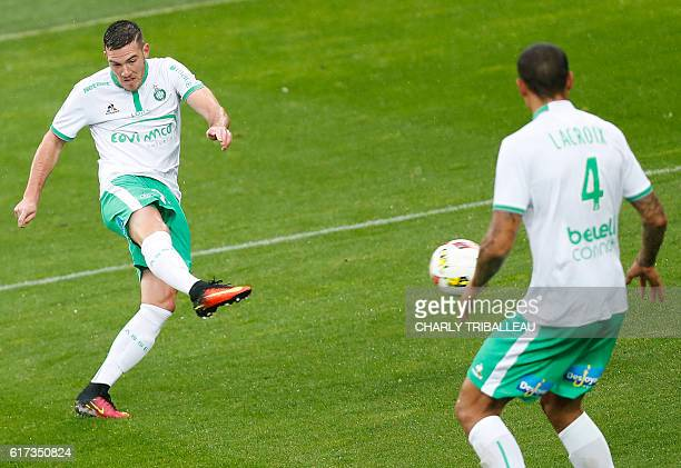 SaintEtienne's Jordan Veretout shoots to score a goal during the French L1 football match between Caen and SaintEtienne on October 23 2016 at the...