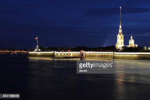 Saint-Petersburg, vida nocturna, Rusia (Sankt Peterburg) : Foto de stock