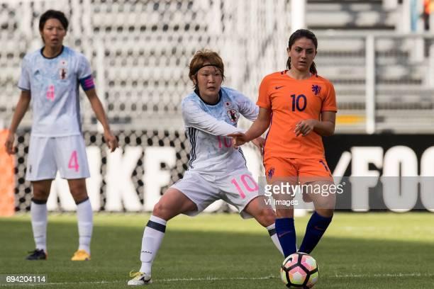 Saki Kumagai of Japan Mizuho Sakaguchi of Japan Danielle van de Donk of the Netherlandsduring the friendly match between the women of The Netherlands...