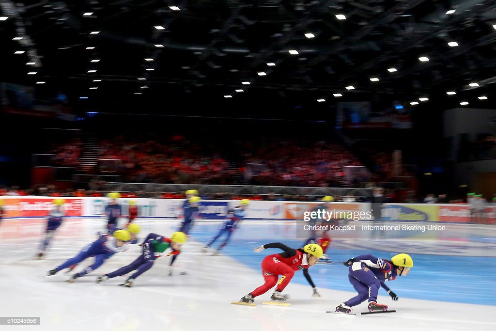 Sakters compete during the ladies 3000m relay final during Day 3 of ISU Short Track World Cup at Sportboulevard on February 14, 2016 in Dordrecht, Netherlands.