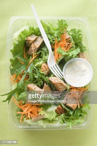 Salad Dressing Photos et images de collection | Getty Images