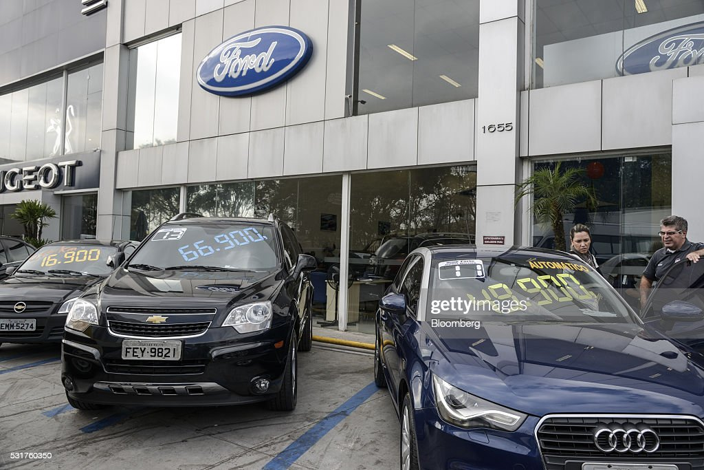 Brazilian Car Dealers As Economists See Slower Inflation