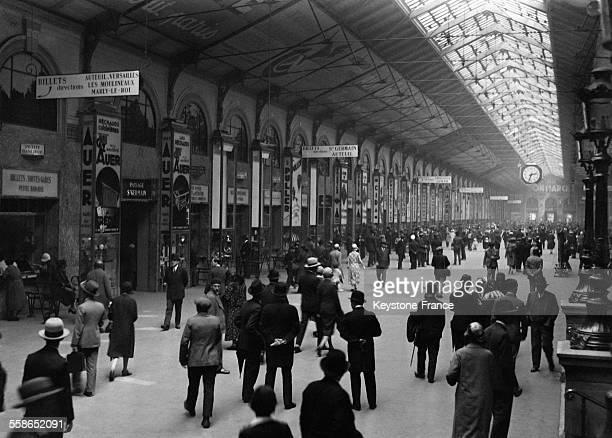 Salle des pas perdus à la Gare SaintLazare à Paris France en 1930